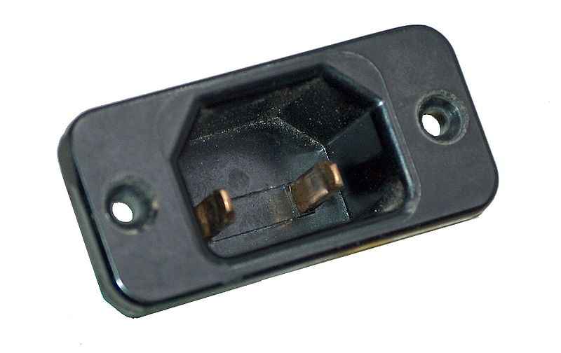 Вилка IEC60320 C18.JPG