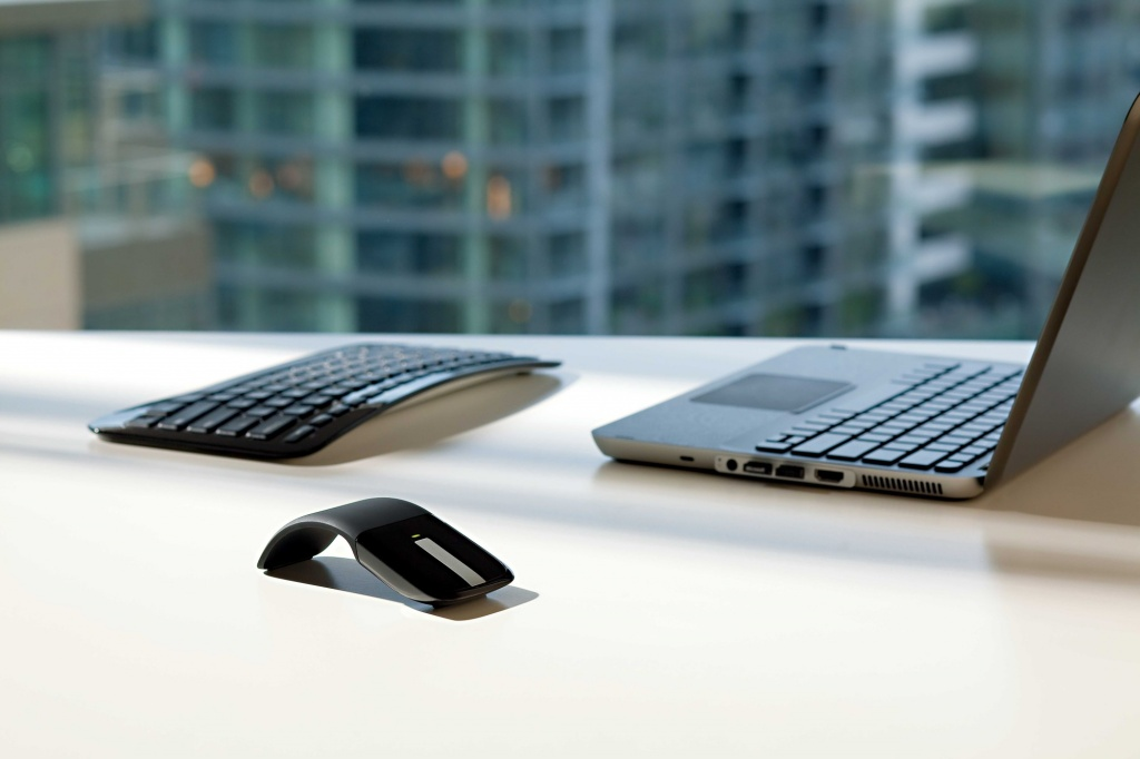 Microsoft Arc Touch Mouse.jpg